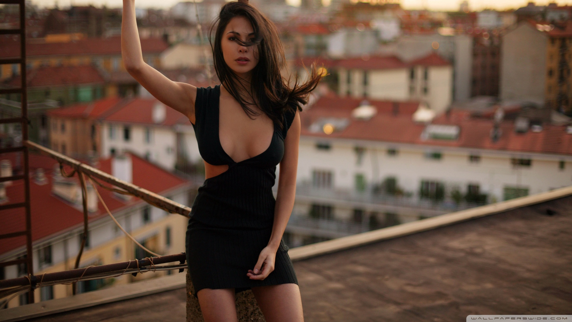 girl_in_a_sexy_dress-wallpaper-1920x1080